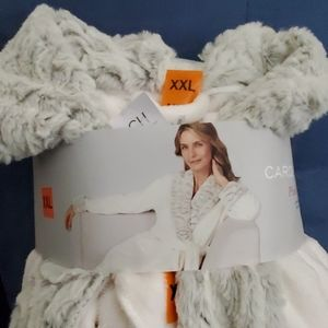 Carol Hochman plush bathrobe